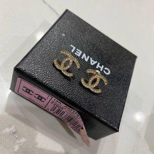 Chanel stud earrings gold